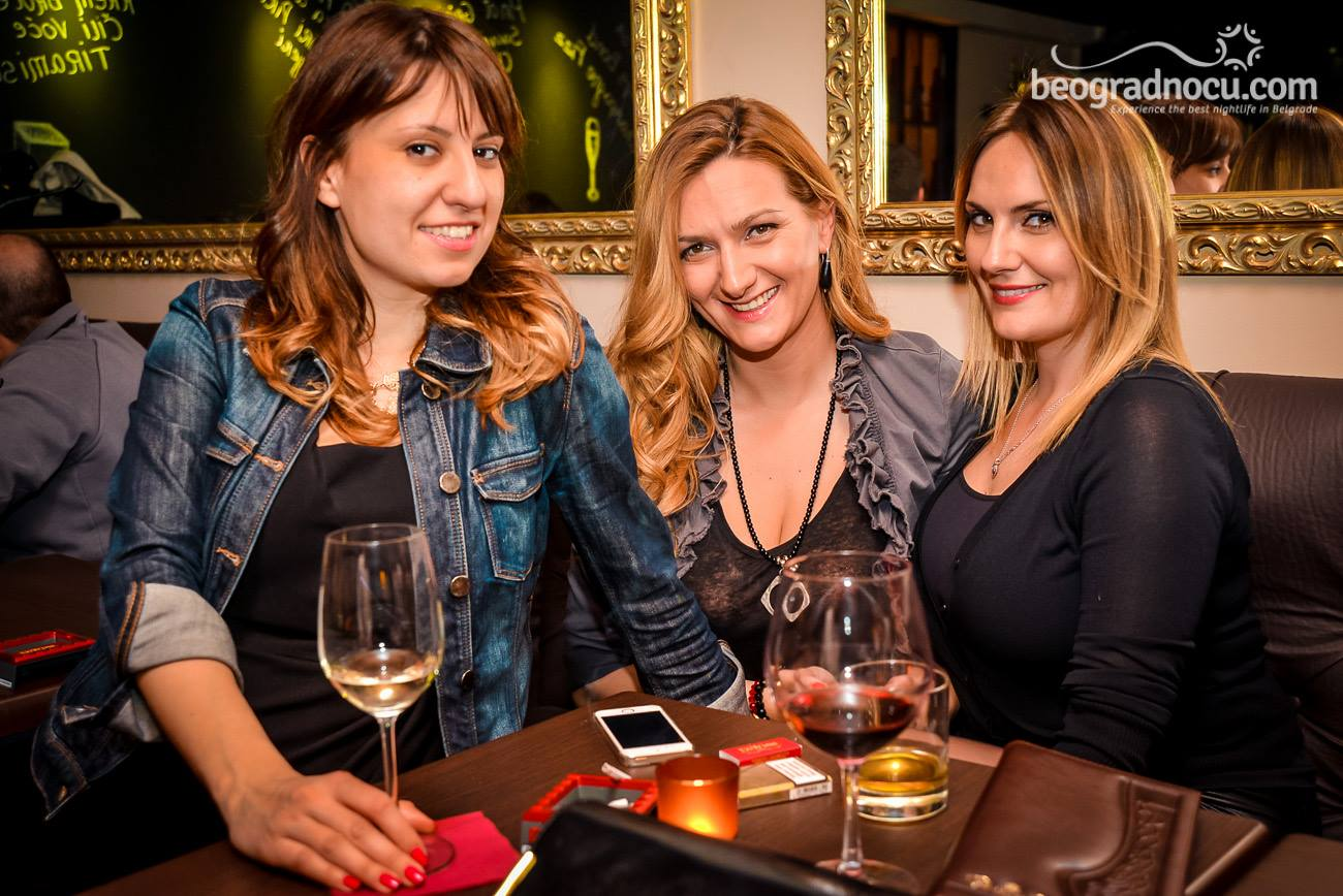 Bar Champagne and Cigar DiWine