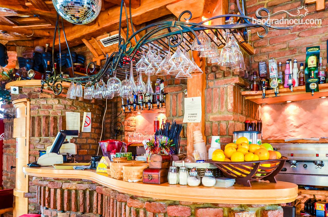 bar Green Cafe
