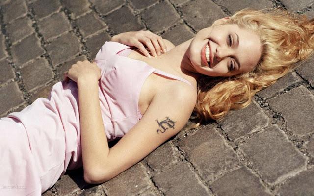 6.-Angelina-Jolie
