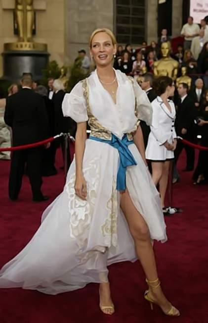 Uma Thurman at the 2004 Oscar