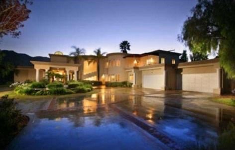 chris-brown-home-rental-17-480w