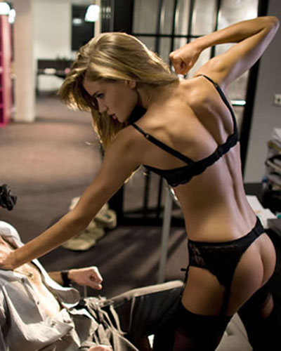 280967_fullsizeimage_Rosie_Huntington_Whiteley_Agent_Provocateur.jpgx