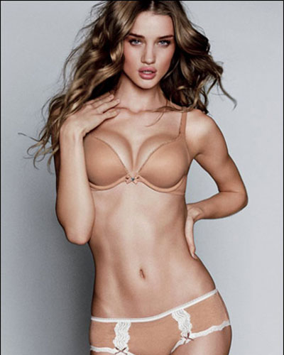 280975_fullsizeimage_Rosie_Huntington_Whiteley_breasts.jpgx