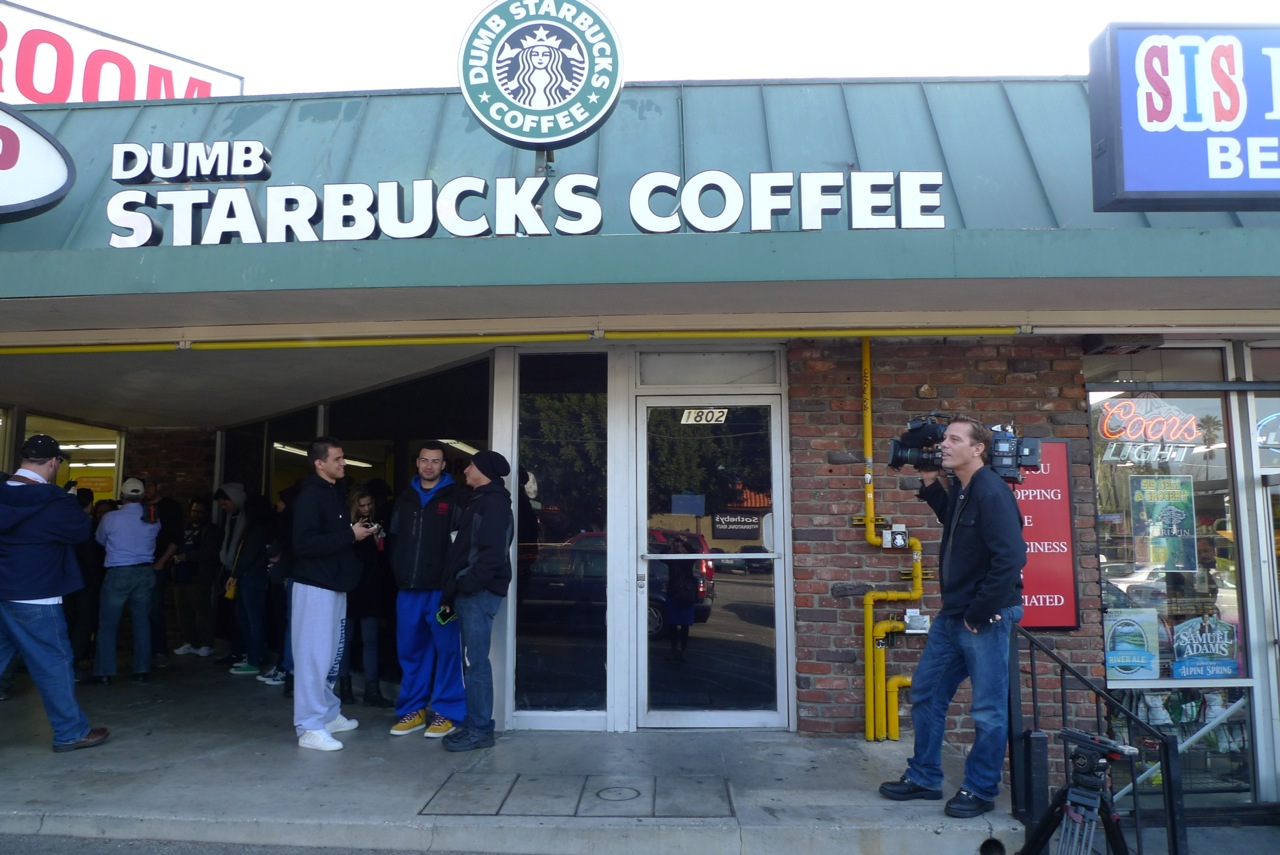 Dumb-Starbucks-LA-1310699