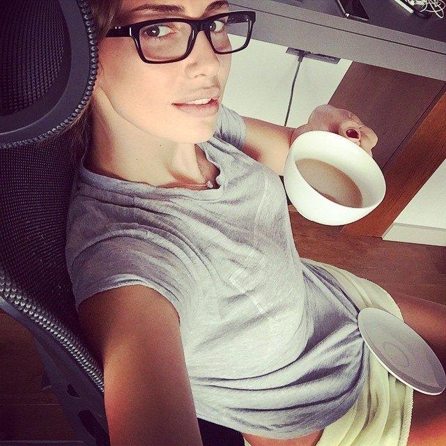 Emina Jahovic.jpg1