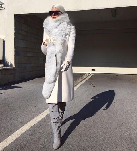 Jelena Karleusa promovise haljinu