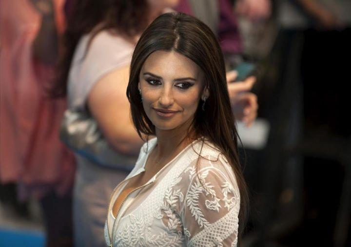 Pogledajte ko je najseksepilnija zena na svetu.jpg3
