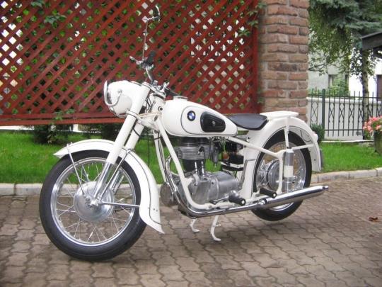 rent-a-car-motor-bmw-r25-3