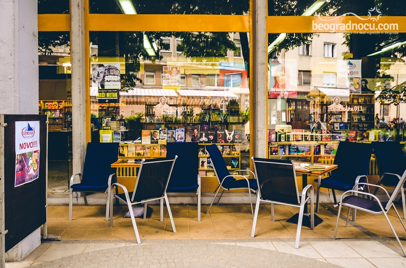 kafe Knjižara 011