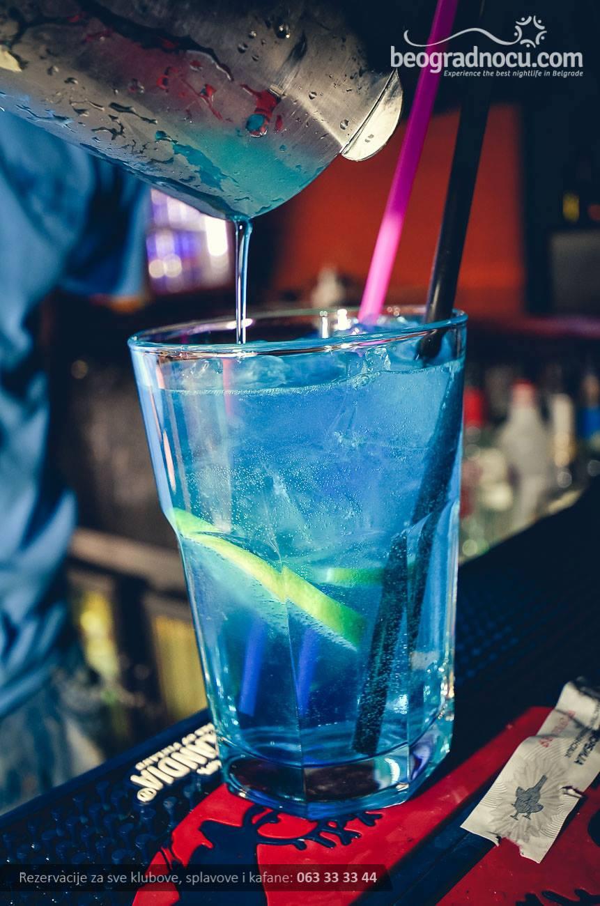 kafana-plavi-andjeo-koktel
