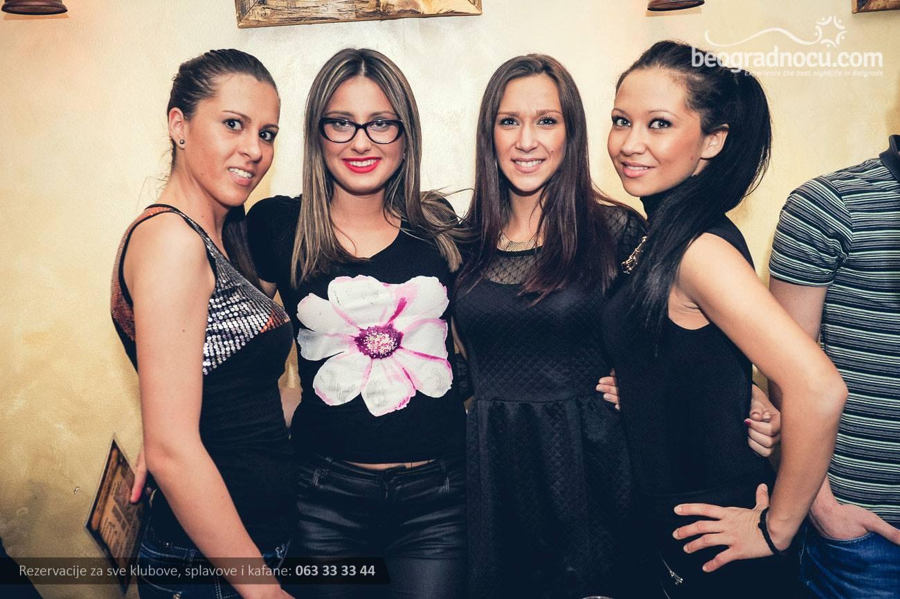 kafana-tri-promila-devojke1