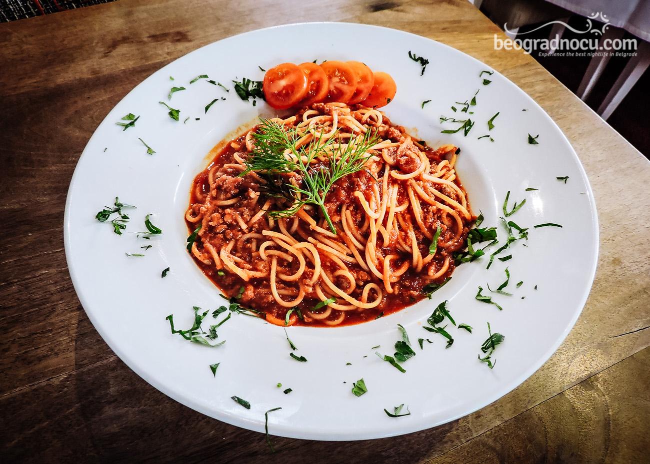 VictoriaStation-hrana-1