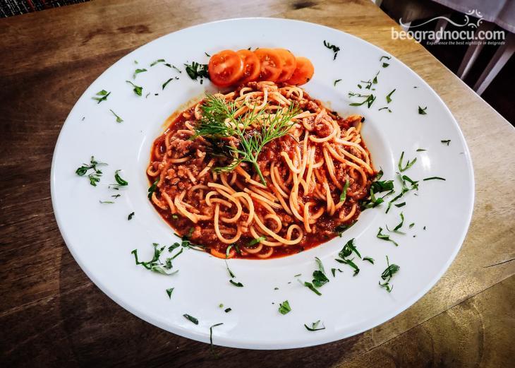 Victoria Vagon Gastro Station špageti bolonese