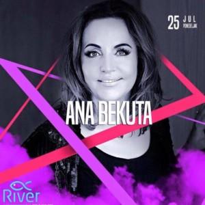 Ana Bekuta na splavu River