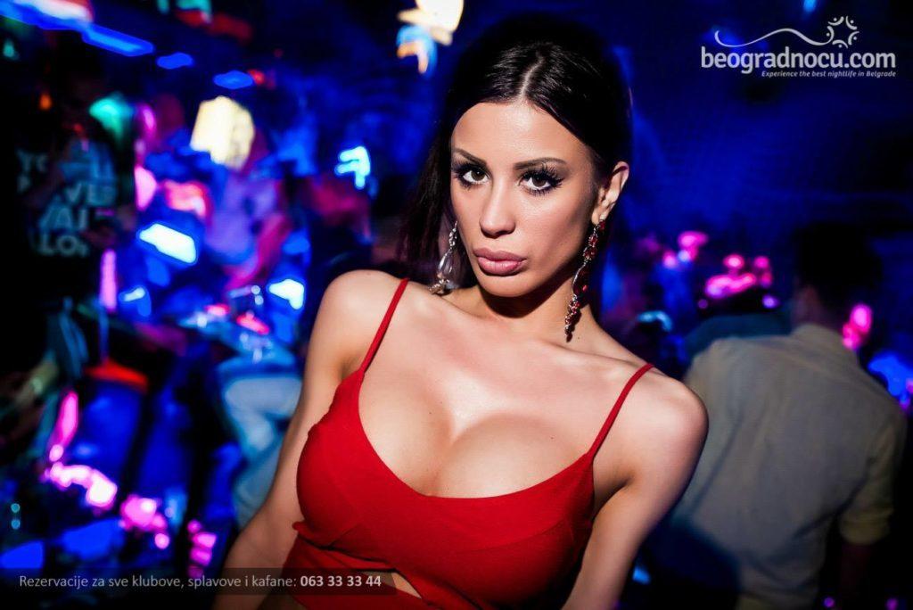Sexy! Ovo su najlepše grudi beogradskih klaberki! (foto)  Beograd Noću