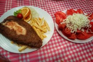 Korčagin nedeljom: 50% popusta na roštilj, rolovano punjeno pileće belo SAMO 440 rsd!