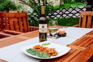 Restoran Trem vino i spanać i meso