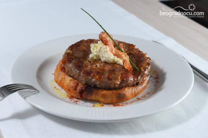 Hrana u beogradskom restoranu