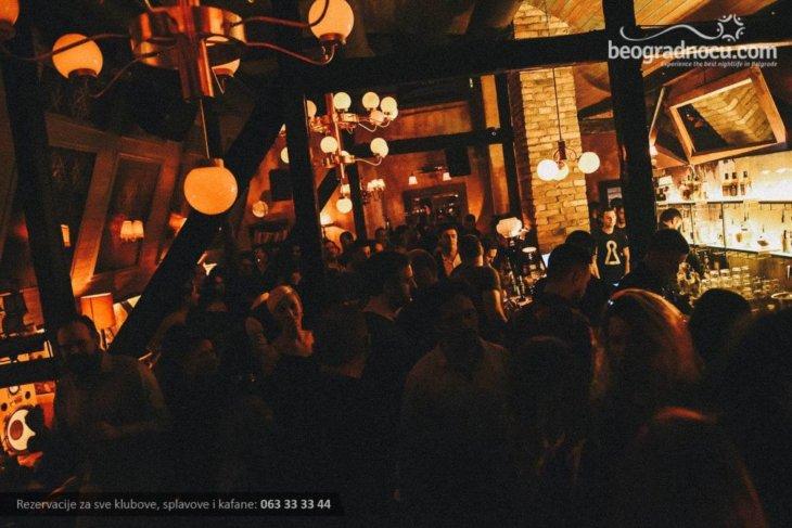 Atmosfera u klubu Gajba