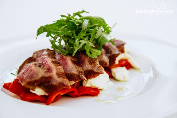 Restoran Dva jelena biftek i salata