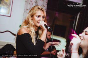 Još jedno predivno veče u kafani Mala Maca i uživo raspevane Karaoke!