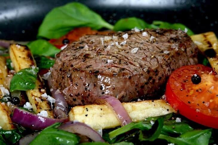 biftek sa prilozima