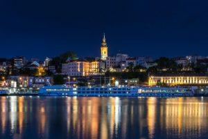 Fotografija Beograda noću sa reke