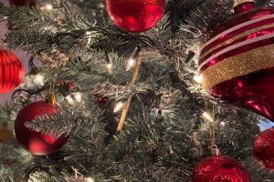 Ukrasi na novogodišnjoj jelci