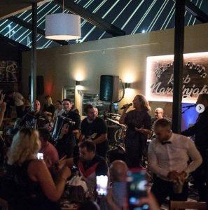 Klub Narodnjaka Ana Bekuta peva i gosti